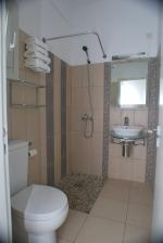 Double bed room bathroom